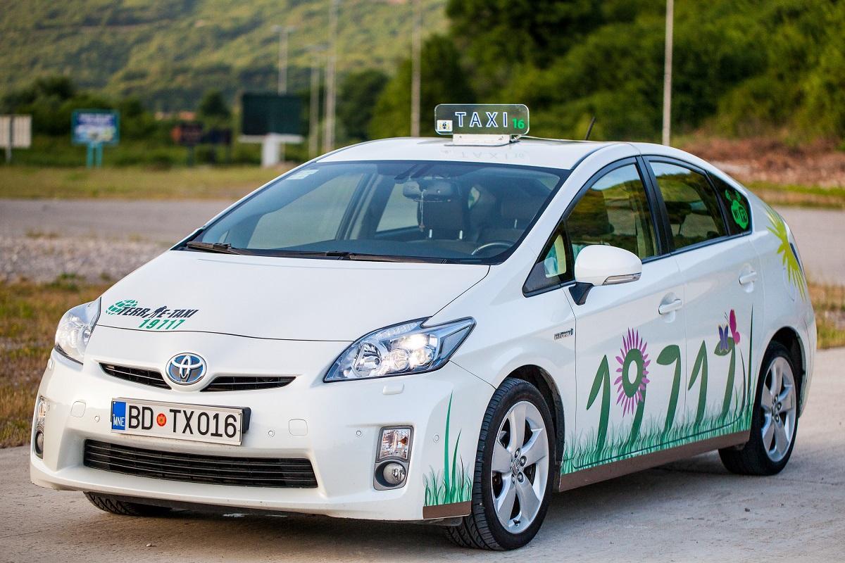 Terrae-Taxi Toyota Prius